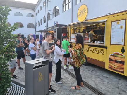 Street Food Festival în Oradea: Oferte apetisante, sute de orădeni și muzică rock, în Cetate (FOTO / VIDEO)