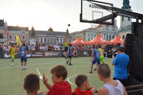 Apariţie inedită la Visit Oradea Streetball 2017: Sandu Lungu a schimbat ringul de luptă cu aruncatul la coş: 'E mai greu decât un croşeu şi decât dansul' (FOTO / VIDEO)