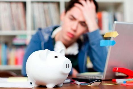 Veste proastă pentru studenţii din Oradea: Vor primi bursele pe aprilie abia în luna mai