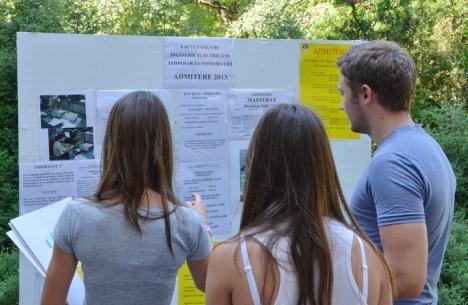 Mai multe locuri fără taxă pentru viitorii studenţi ai Universităţii