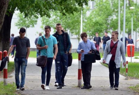 Centru de învăţare, la Universitate: Studenţii orădeni vor primi online cursurile