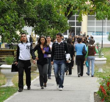 Zile grele pentru studenţi: începe sesiunea!