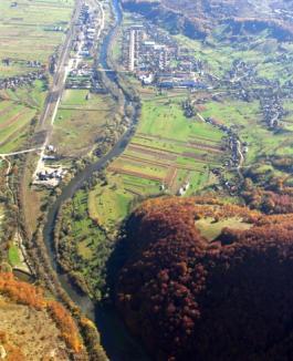 280 de localnici din Bălnaca, evacuaţi de lucrătorii ISU Crişana