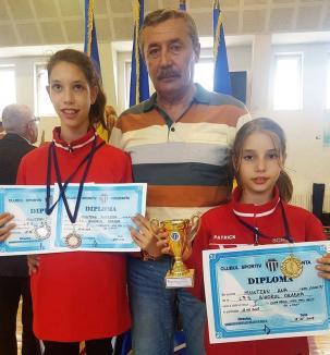 Spadă: Surorile Ana și Andrea Muntean au cucerit trei medalii la Constanța