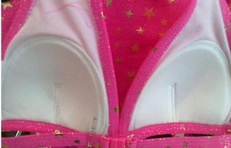 Scandal pe marginea sutienelor cu push-up pentru fetiţe de 7 ani