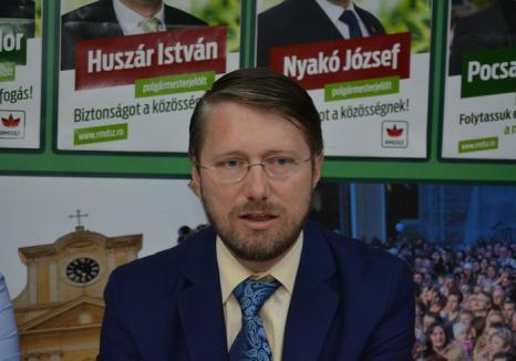 """Avrigene, tu pentru cât ai greşi? Deputatul Szabó Ödön îi întreabă de """"preţ"""" pe liberalii din Consiliul Judeţean şi îi acuză că umblă după trădători"""