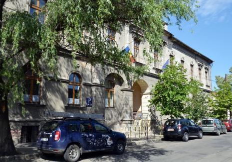 Clădirea şcolii Szacsvay Imre din Oradea va intra anul viitor în reparaţii capitale de circa şase milioane lei