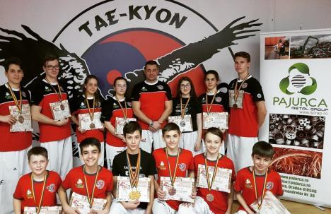 Orădenii de la CS 'Tae-Kyon' şi-au adjudecat 16 medalii la Campionatul Naţional de Taekwon-do I.T.F. de la Baia Mare