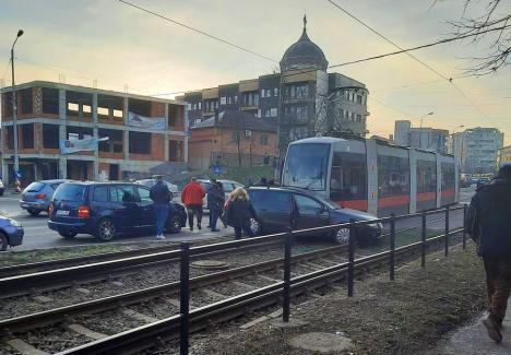 Staționări tramvaie în 16 februarie