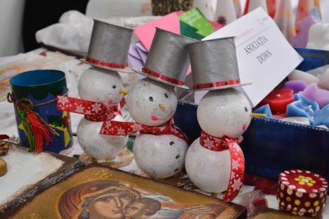 Sute de fapte bune pe un singur hol: Târg de Crăciun la Celestica Oradea, susţinut de companie pentru ONG-urile din oraş (FOTO)