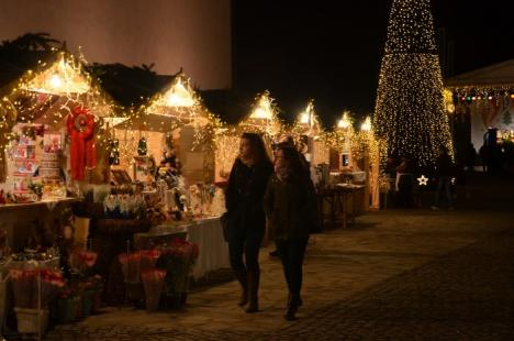 Cetate în dar: După 7 ani de lucrări, în prag de Crăciun, Cetatea Oradea se deschide oficial în faţa vizitatorilor (FOTO)