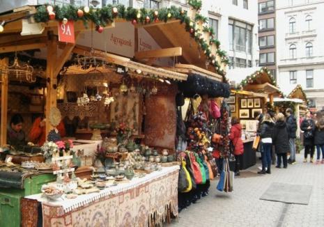 Începe Târgul de Crăciun în Debreţin: Carusel uriaş, Casă de turtă dulce, cadouri, delicatese şi un cozonac de 201 metri (FOTO)