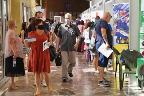 Târg cu peste 1.000 de joburi, la Oradea. Este aşteptată şi Raluca Turcan, ministrul Muncii