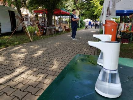 În lumea tradiţiilor. Meşterii populari şi-au expus creaţiile în Parcul Bălcescu din Oradea(FOTO / VIDEO)