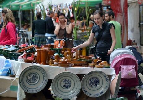 Meşteri populari din toată ţara îşi aduc creaţiile la Oradea