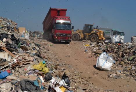 Se majorează tariful pentru depunerea deşeurilor la groapa de gunoi a Oradiei