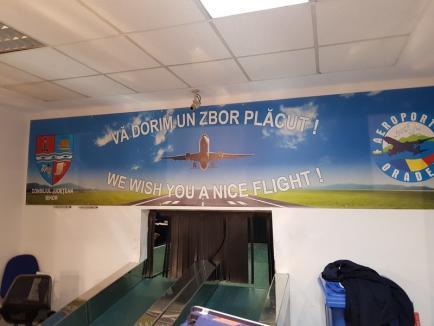 Nervi în Aeroportul din Oradea: Pasagerii cursei Tarom spre Bucureşti, revoltați că... nu au locuri în avion! (FOTO)