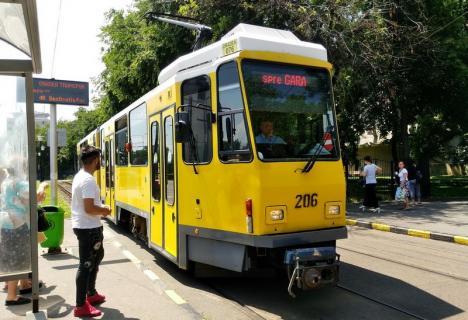 OTL: Un nou incident în trafic între un tramvai şi o maşină