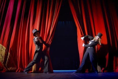 """""""Scrie-ţi propria poveste"""": Teatru-forum la Studio Act din Oradea"""