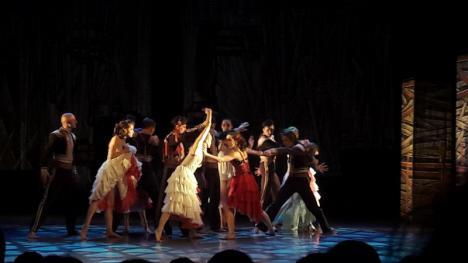 FITO 2019 la final: Festivalul şi-a desemnat laureaţii şi s-a încheiat cu o tragedie amoroasă jucată în pași de dans (FOTO)