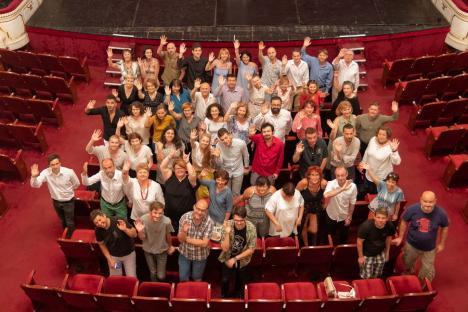 'Nu vă alungaţi artiştii din oraş!'. Actorii de la Szigligeti apelează şi ei la consilierii judeţeni şi le cer să nu unească teatrele din Oradea