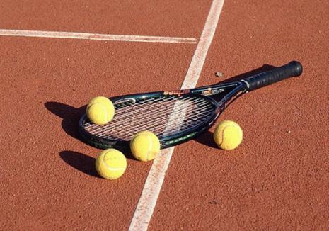 Au început întrecerile Campionatului Naţional de Tenis Individual U16 de la Oradea