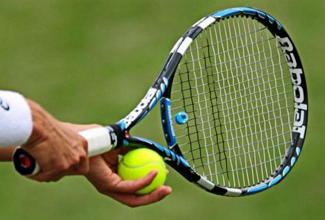 Sâmbătă debutează turneul naţional de tenis dotat cu Cupa CSM Oradea