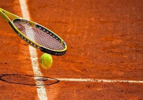 Terenurile de tenis de la Arena Antonio Alexe găzduiesc întrecerile turneului naţional dotat cu Cupa CSM Oradea