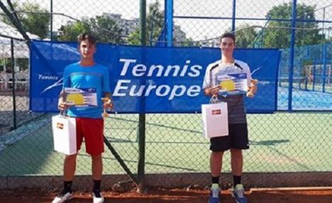 Orădenii Vladimir Cuc și Ion Arcaşa Straciuc au câștigat proba de dublu de la turneul clujean Aegon Junior Open