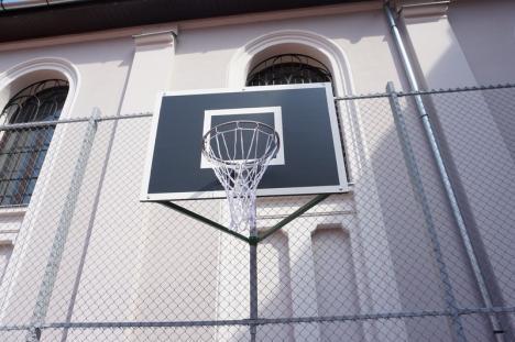 Gojdiștii vor avea terenurile de baschet reabilitate în noul an școlar (FOTO)