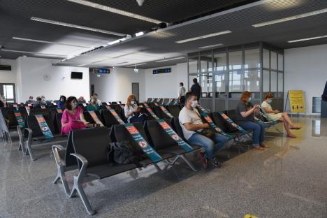 Finalizat cu o întârziere de 2 ani, noul terminal al Aeroportului Oradea a fost prezentat oficial cu o zi înaintea primei curse. Despre zboruri externe, încă nimic (FOTO)