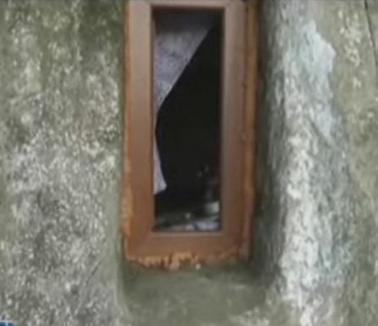 Biserică în piatră din secolul al XII-lea, cu termopane din secolul XXI (VIDEO)