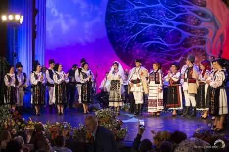 O nouă emisiune Tezaur Folcloric realizată la Oradea va fi transmisă duminică de TVR