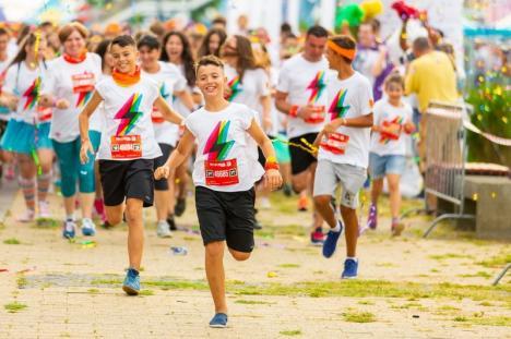 The Color Run se întoarce în Oradea: Se anunță o cursă plină de culoare, sâmbătă, în centrul orașului