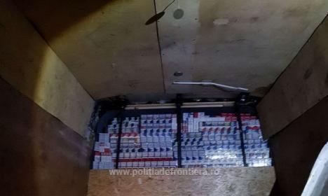 10.000 de pachete de ţigări de contrabandă, descoperite la Valea lui Mihai (FOTO)