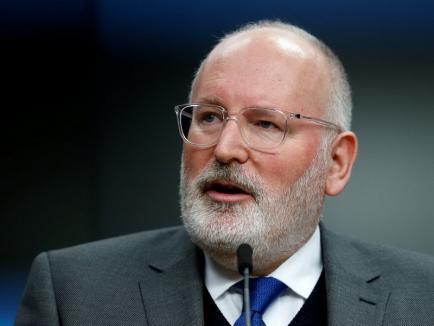 """Numărul 2 din Comisia Europeană, avertisment legat de Justiţie: """"Nu începeţi să faceţi paşi înapoi"""""""