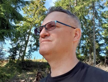 'Jurnal de Covid': Un profesor universitar din Oradea povesteşte cum e să fii internat cu Sars-Cov-2 şi îi critică pe cei care nu iau pandemia în serios: 'Vreţi caterincă, manelisme...'