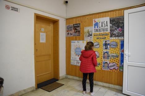 Tineret... la pensie: Încremenită în trecut, Casa Tineretului din Oradea este neatractivă pentru elevi şi studenţi (FOTO)