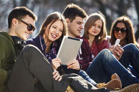 Bursa Talentelor: Tinerii cu idei interesante, chemaţi să aplice în programul Fundaţiei Comunitare
