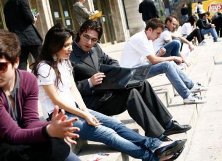Fundaţia Ruhama îi ajută gratuit pe tineri să obţină cei 10.000 de euro daţi de Guvern pentru începerea unei afaceri