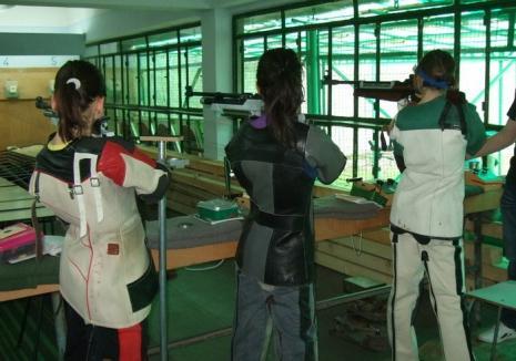 Orădenii de la CSU au cucerit 18 medalii la Campionatele Naţionale de tir sportiv pentru probele de glonţ