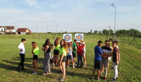 2.000 de copii din Bihor au participat la ateliere de tir cu arcul(FOTO)