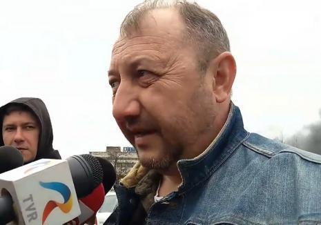 Şeful Gărzii de Mediu Bihor: 'Orădeni, staţi în casă şi închideţi geamurile, fumul este toxic!' (VIDEO)