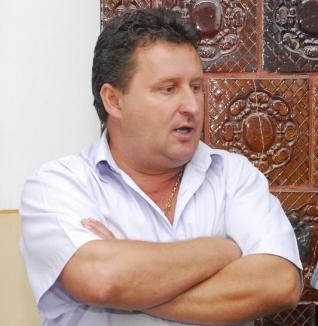 Ana, sămânţa de scandal: Ca să-şi sperie şefii, un primar PSD-ist din Bihor a lansat zvonul că trece la PNL