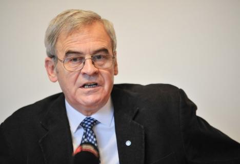 Tokes trimite Inspecţia Judiciară peste judecători şi cere la CEDO  condamnarea României, care nu-l lasă să arboreze steagul secuiesc