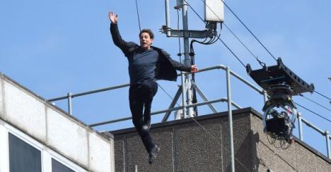 Cascadorie eşuată: Tom Cruise, rănit în timpul filmărilor pentru 'Misiune: Imposibilă 6' (VIDEO)