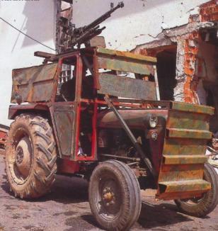 Cum te dai peste cap cu tractorul (VIDEO)