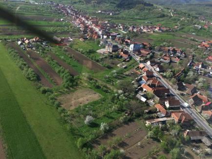 Prinşi din elicopter: 160 de vitezomani s-au ales cu amenzi pe DN1, în Bihor (FOTO / VIDEO)