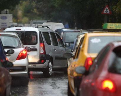 Noua taxă auto: Timbru de mediu doar pentru maşini cu maxim 8 locuri, emisia CO2 calculată integral