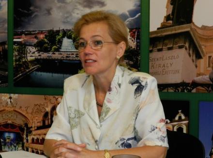 Urmărită de bipezi: Băsescu nu o vrea pe Biró la Ministerul Culturii